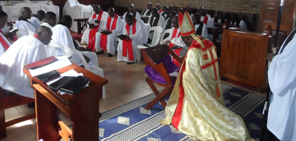 On Sunday 26th November, 2017 the Bishop of Ankole Diocese, Rt.Rev. Dr. Fred Shelson Mwesigwa ordained 5 deacons and 18 priests